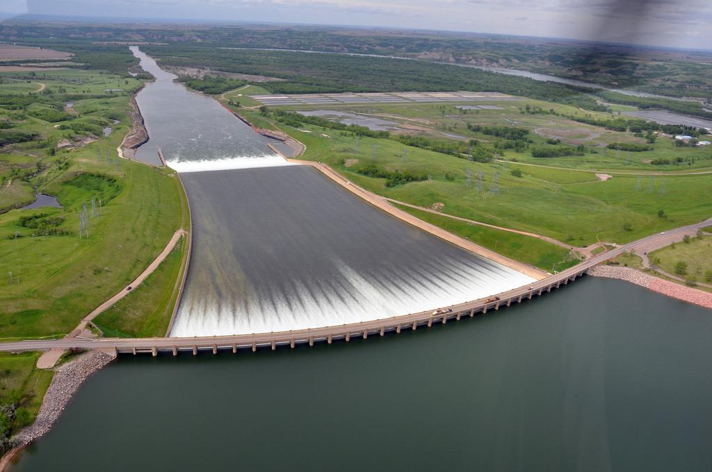 Garrison Dam, Lake Sakakawea