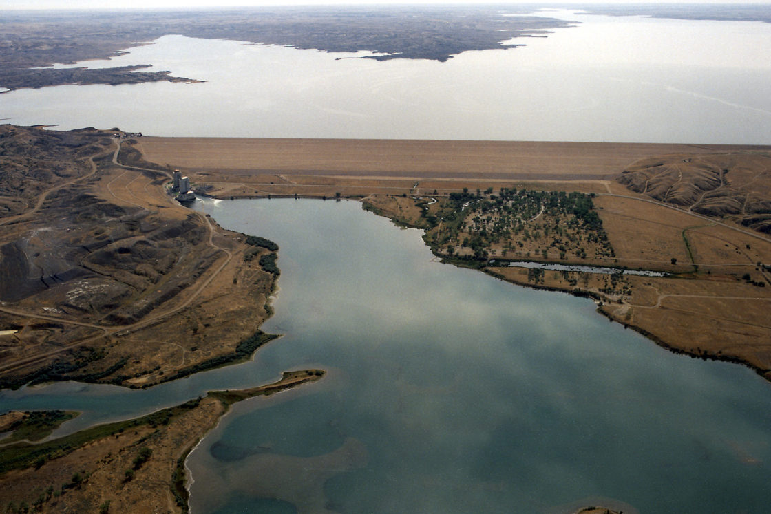 Fort Peck Dam, Fort Peck Lake