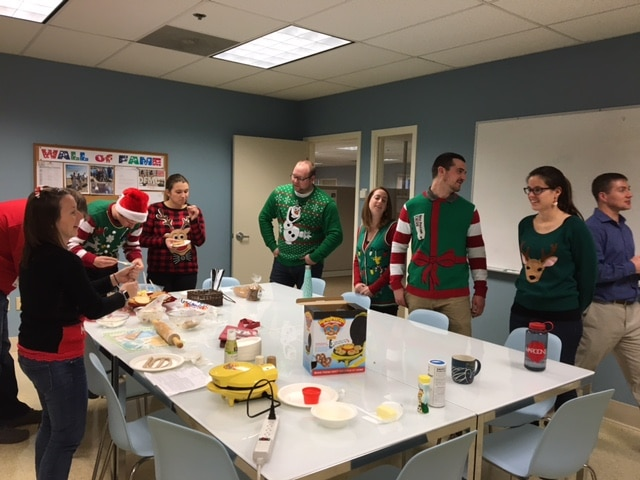 christmas-cookie-decorating