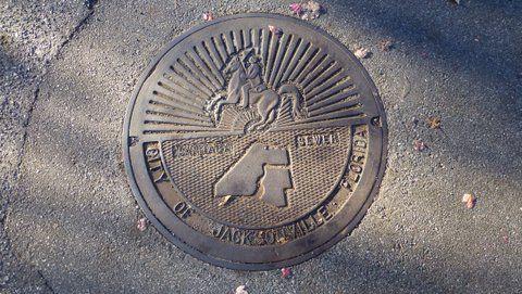Florida_Jacksonville_manhole_cover