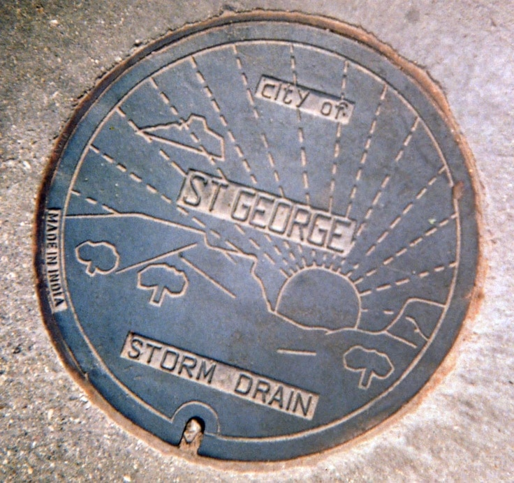 Utah_StGeorge_manhole_cover