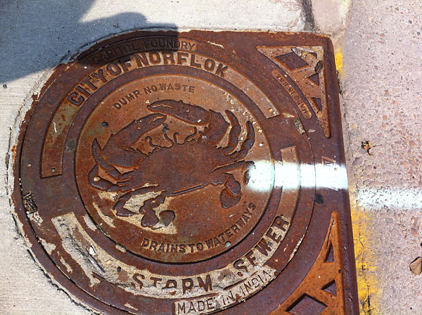 Virginia_Norfolk_manhole_cover_misspelled