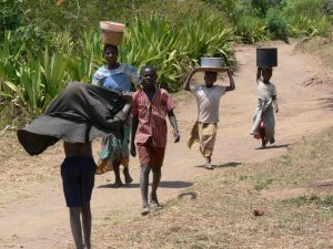 hauling_water_in_malawi